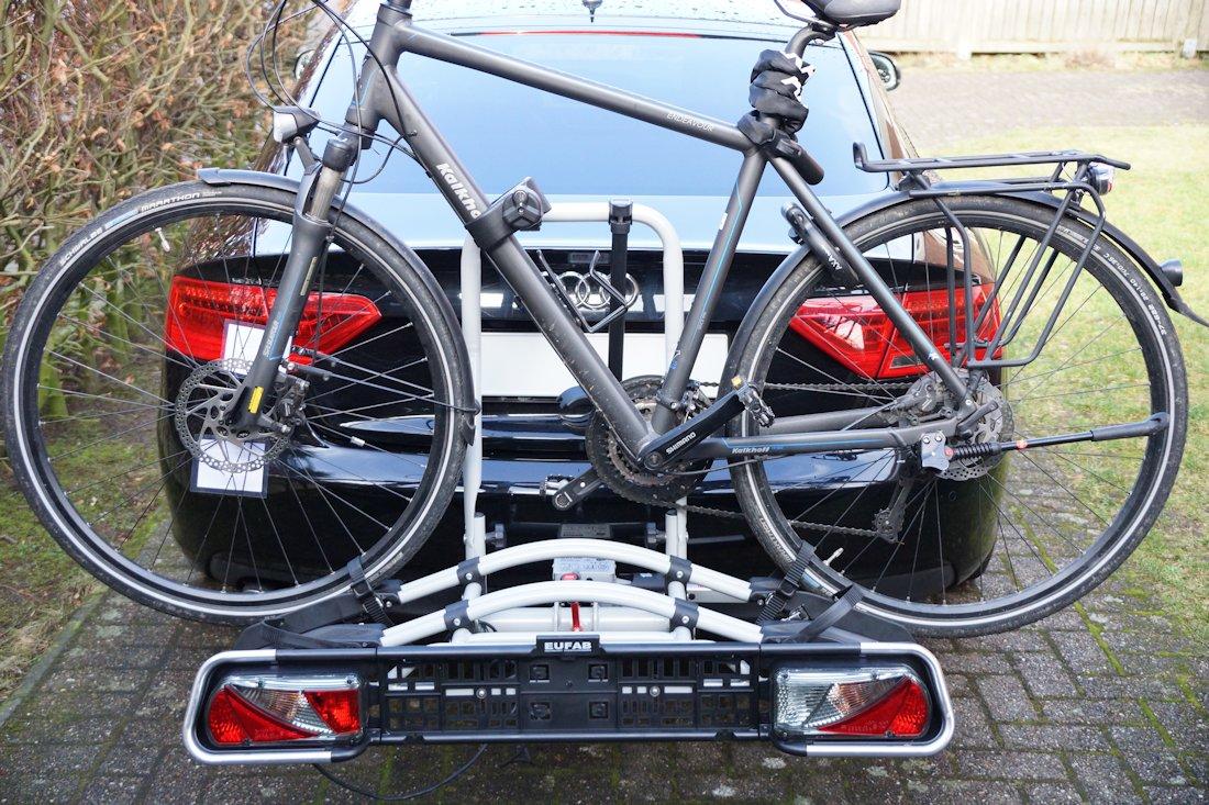 Fahrrad auf einem EUFAB Jake Fahrradträger