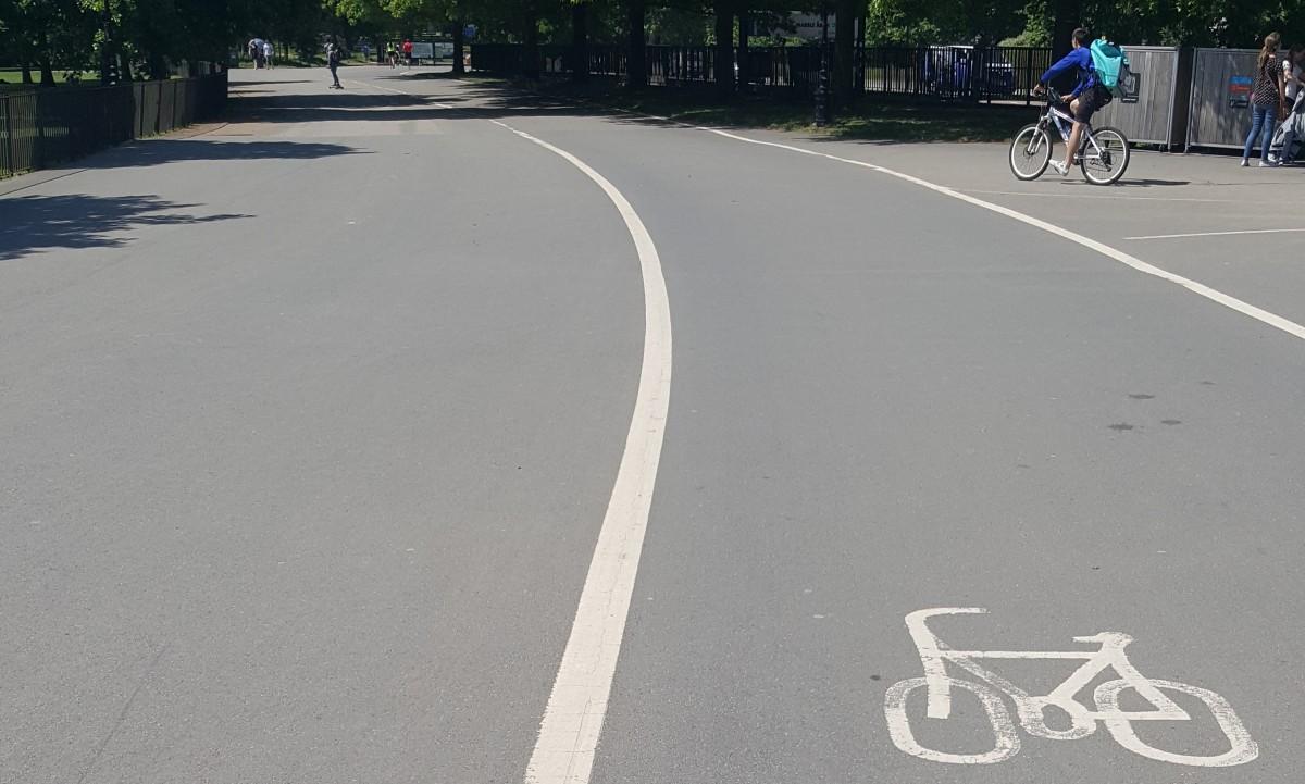 Radweg im Park in London